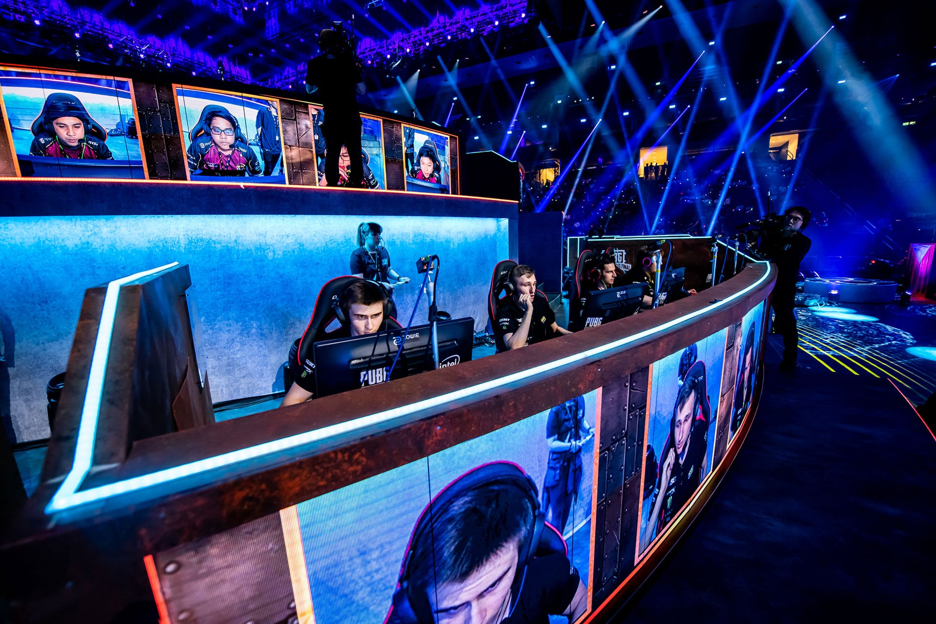 Live Legends - IHSE plays Key Role at Esports Gaming event