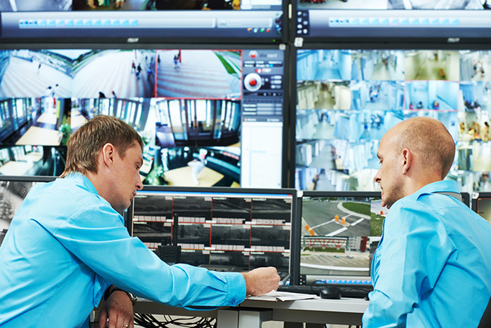 IHSE enables collaborative use of multi-monitor workstations